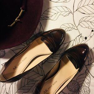 Anne Klein Walnut Penny Loafer Heels< 7.5 US